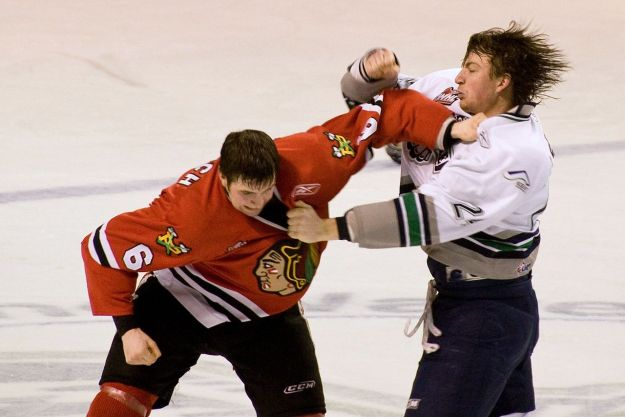 1280px-fight_in_ice_hockey_2009